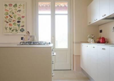 2 - Cucina anta opaca su misura