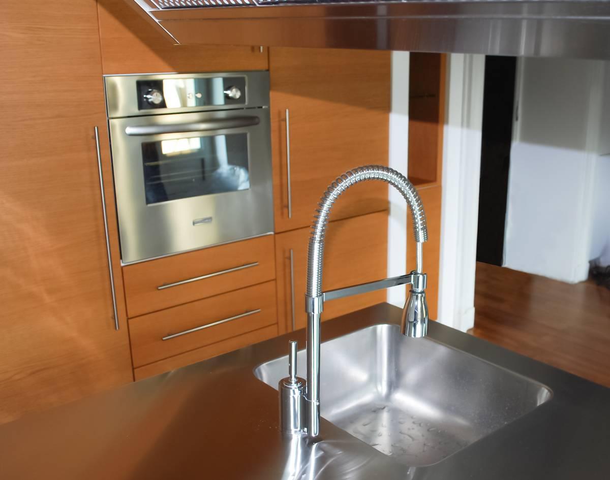 Cucine anta acciaio cibi cucine bagni armadi e arredi su misura - Cucine su misura compresa di elettrodomestici prezzi ...