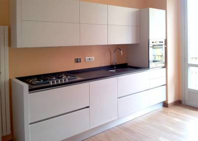 4 - Cucina ante legno