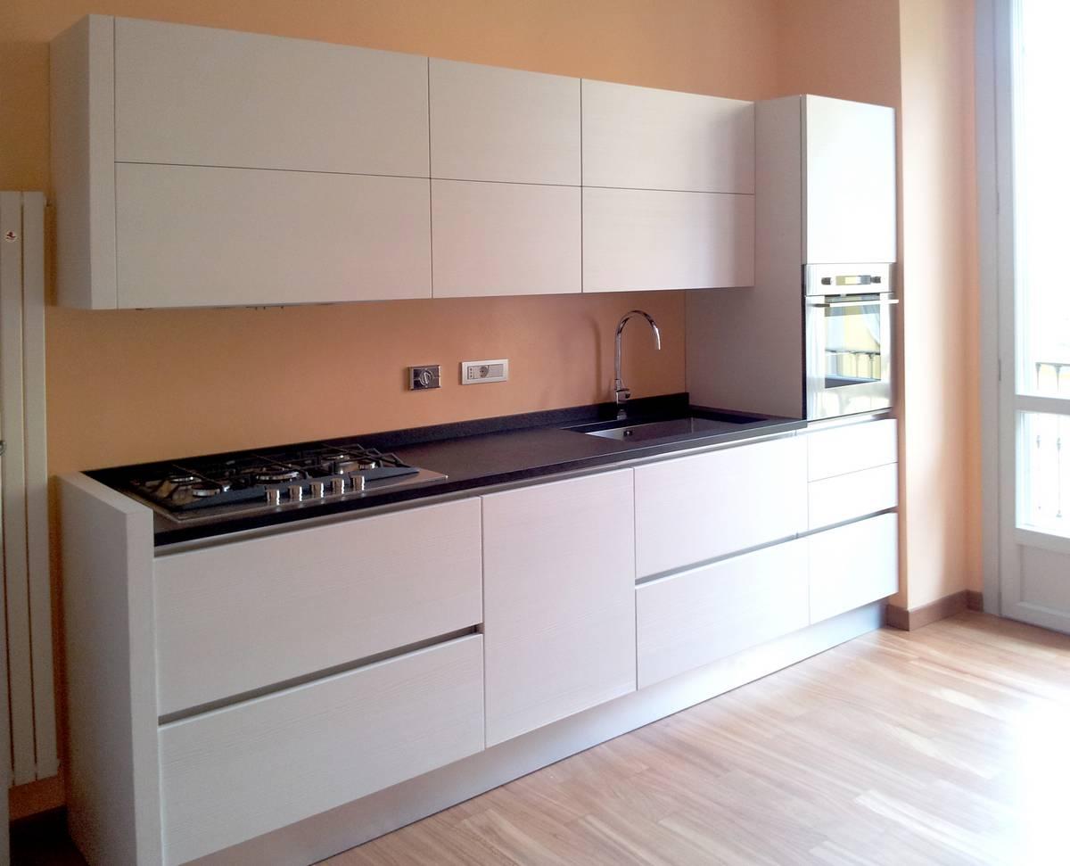 Cucina anta legno | Cibi - Cucine, bagni, armadi e arredi su misura