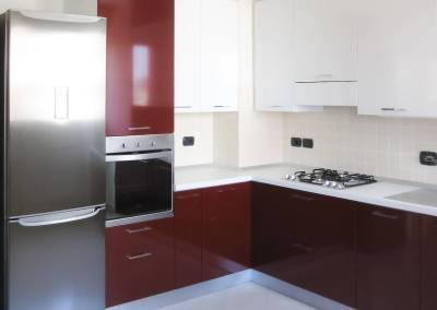 9 - Cucina anta lucida moderna